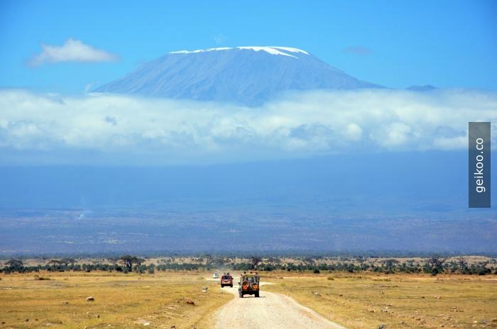 Kenya - Masai Mara'dan Kilimanjaro Dağı'nın görünüşü