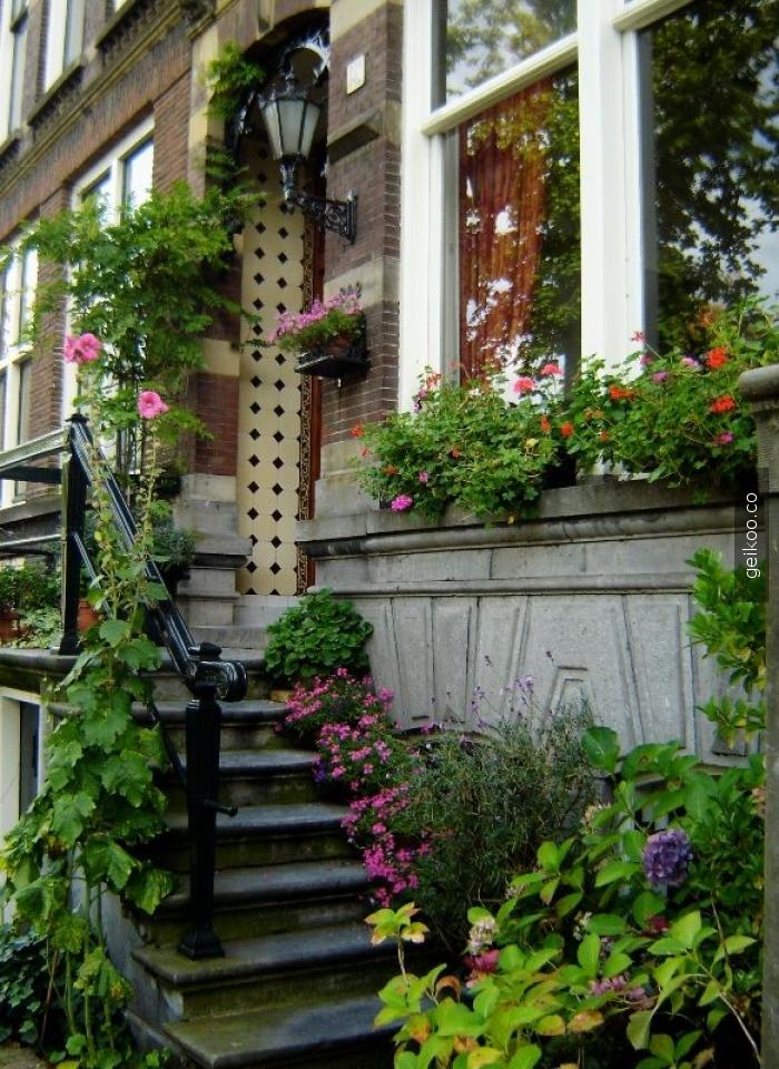 amsterdam'da bir ev girişi